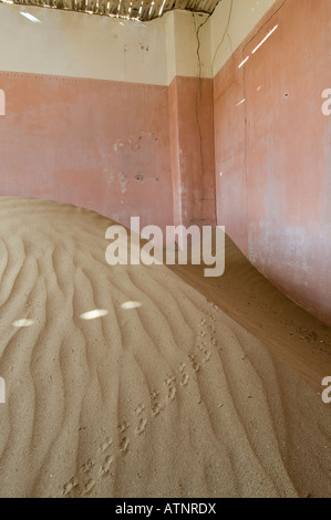 Kolmanskop the abandoned ghost town in the Namib Desert which began in 1908 to mine the diamonds discovered in the - Stock Photo