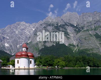 Pilgrimage church St. Bartholomew with Mount Watzmann (2713 m) and Lake Königssee, Berchtesgaden National Park, - Stock Photo