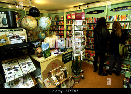 THE ITCHY FEET TRAVEL STORE AND CAFE IN BARTLETT STREET BATH UK - Stock Photo