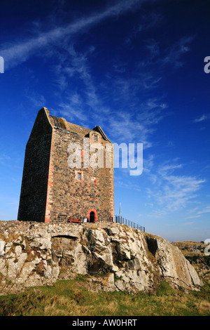 Smailholm Tower Nr Newtown St Boswells Borders Scotland - Stock Photo