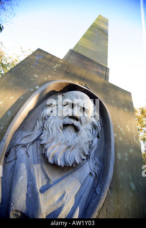 Memorial in Middleton Graveyard to Samuel Bamford political reformer who attended the Peterloo Massacre born in - Stock Photo
