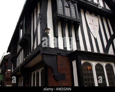 corner view of the royal oak in the shambles,chesterfield,derbyshire,uk.the oldest inn in chesterfield,one of the - Stock Photo