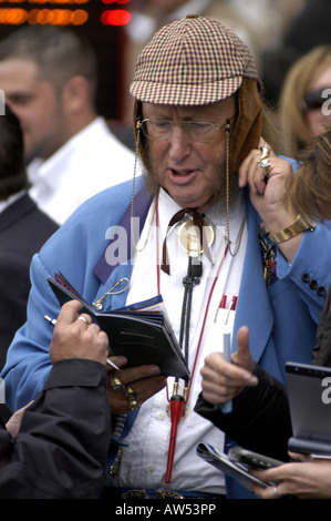 John McCririck (Big Mac)  Channel 4 horse racing pundit - Stock Photo