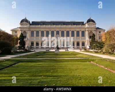 Jardin des Plantes: Le Grande Galerie de L'Evolution and Museum National d'Histoire Naturelle, Paris, France Europe - Stock Photo