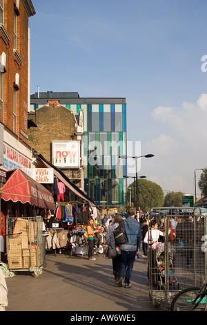 Idea Store, Whitechapel, London, 2005. View along Whitechapel Road. - Stock Photo