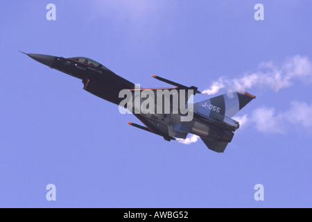 F-16AM Fighting Falcon - Stock Photo