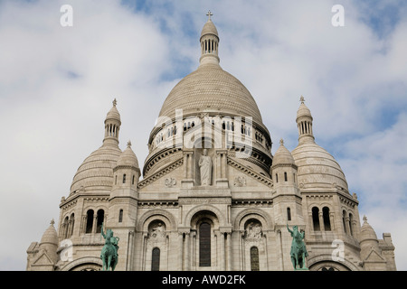 Basilique du Sacré Coeur de Montmartre, Paris, France, Europe - Stock Photo