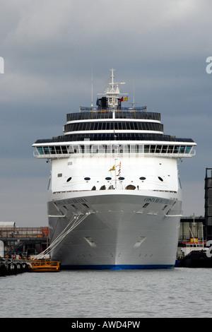 Costa Cruises Cruise Ship COSTA MEDITERRANEA 2915 Mtrs