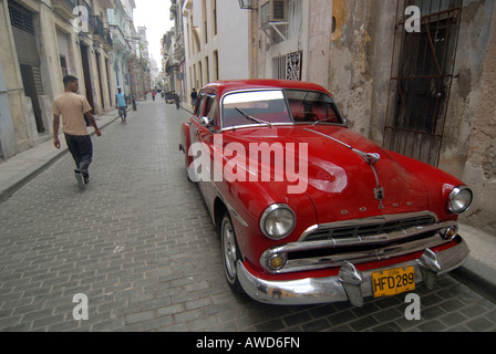 Old American vintage car in the old part of Havana, Cuba, Americas - Stock Photo