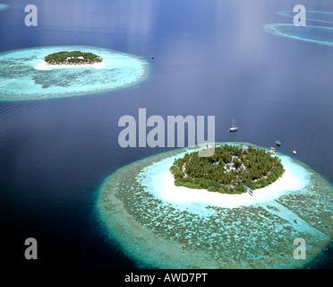 Aerial view of Ihuru and Vabbinfaru (Banyan Tree), North Male Atoll, Maldives, Indian Ocean - Stock Photo