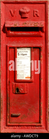 A VR 'Victoria Regina' Royal Mail post box. Picture by Jim Holden. - Stock Photo
