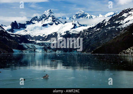 John Hopkins Glacier with Mount Wilbur and Mount Orville in Glacier Bay National Park, Alaska, USA. - Stock Photo