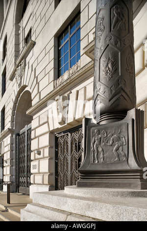 Unilever House at Blackfriars London - Stock Photo