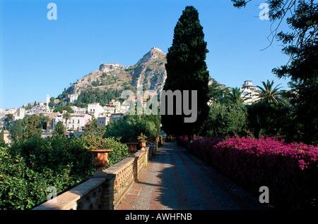Taormina Sicily Italy Public Gardens Stock Photo 19021298 Alamy
