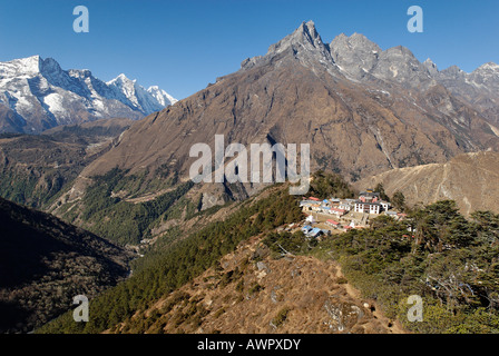 Tengpoche monastery with Khumbi Yul Lha (Khumbila, 5761) and Kongde, Sagarmatha National Park, Khumbu, Nepal - Stock Photo