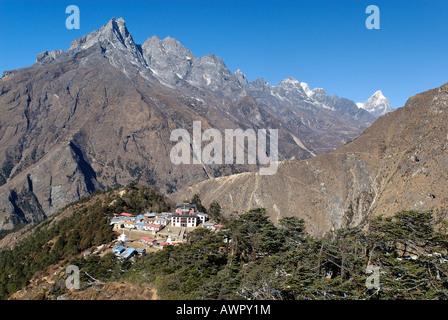 Tengpoche monastery with Khumbi Yul Lha (Khumbila, 5761), Sagarmatha National Park, Khumbu, Nepal - Stock Photo