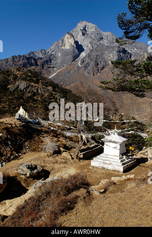 Holy mountain Khumbi Yul Lha (Khumbila, 5761), Sagarmatha National Park, Khumbu Himal, Nepal - Stock Photo