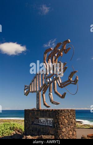 MANRIQUE JAMEOS DEL AGUA Sculpture of a crab designed by Cezar Manrique at Jameos del Agua, Lanzarote Canary Islands - Stock Photo