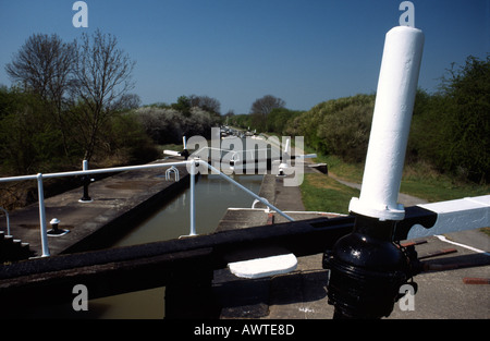 PICTURE CREDIT DOUG BLANE Stockton locks Grand Union Junction Canal - Stock Photo