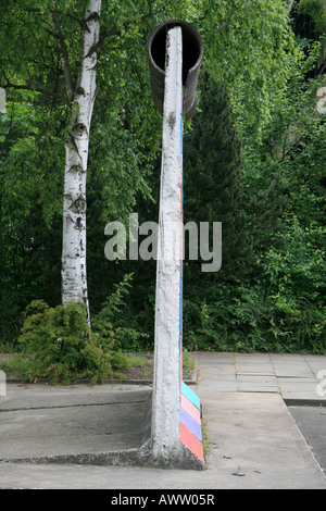 Side view of a section of the Berlin Wall on display at the Alliiertenmuseum (Allied Museum), Berlin. - Stock Photo
