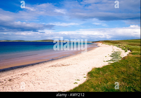 dh Sands of Mussetter EDAY ORKNEY White sandy beach Fersness Bay sand beaches - Stock Photo