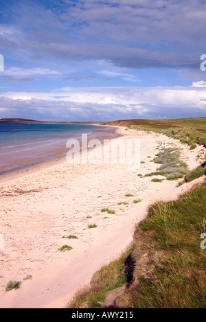 dh Sands of Mussetter EDAY ORKNEY White sandy beach Fersness Bay - Stock Photo