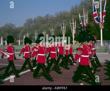 Guards military band marching along the Mall, London, England, UK. - Stock Photo