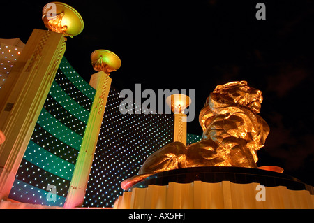 Figures of the mgm grand hotel in las vegas nevada usa for Garden statues las vegas nv