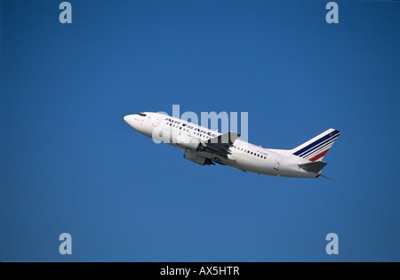 Air France Boeing 737-800 passenger jet during ascent - Stock Photo