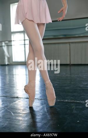 Female ballet dancer doing the toe-dance - Stock Photo