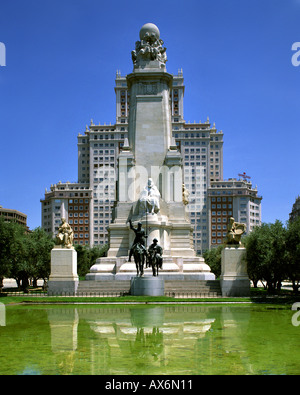 ES - MADRID:  Plaza de Espana - Stock Photo
