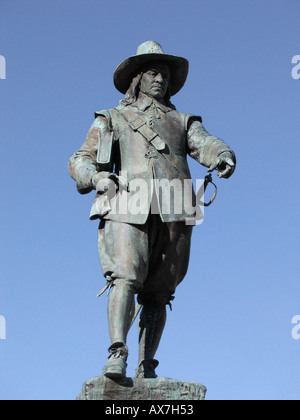 STATUE OF OLIVER CROMWELL IN St IVES CAMBRIDGESHIRE John Robertson 2005 - Stock Photo