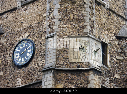 ST BOTOLPH'S CHURCH, in Trumpington Street. sundial. Cambridge. Cambridgeshire. East Anglia. UK. - Stock Photo