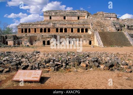 Elk156 2122 Mexico Yucatan Sayil Mayan site 600-900 Puuc style el Palacio Norte - Stock Photo