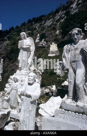 NMB74410 Marble statues Carrara Mountains Italy Europe - Stock Photo