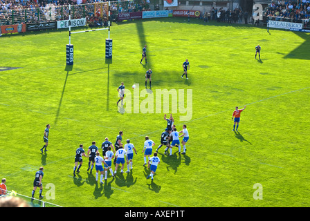 Scottish throw in at the 2008 Six Nations Rugby clash between Scotland and Italy at the Stadio Flaminio in Rome. - Stock Photo
