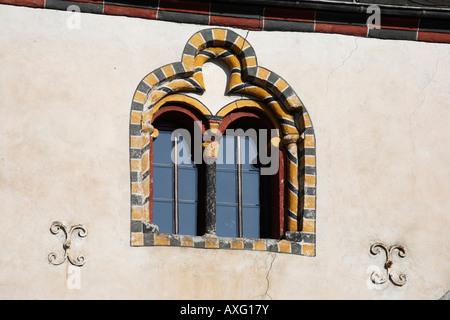 Karden, ehemaliger Stiftsbezirk, Romanisches Wohnhaus (Wohnhaus der Stiftsherren) Fensterdetail - Stock Photo