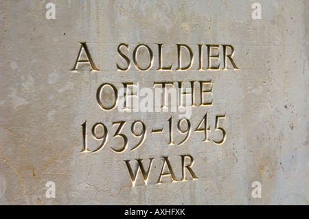 Headstone with the inscription 'A Soldier Of The 1939-1945 War' - Stock Photo