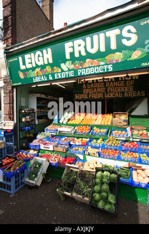 united kingdom essex leigh on sea a greengrocers fresh fruit display - Stock Photo