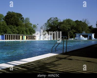 Tooting Bec Lido Stock Photo Royalty Free Image 25015589 Alamy