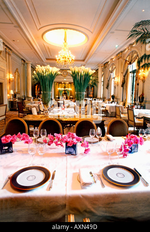 France Paris, French Restaurant 'Le V' 'Le Cinq' Haute Cuisine Hotel 'Four Seasons George V' Dining Tables, european - Stock Photo