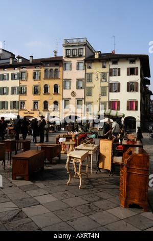 Flea market in piazza san Giacomo - Udine Friuli Italia - Stock Photo