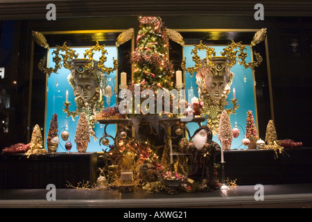 Fortnam and mason london christmas window display - Stock Photo