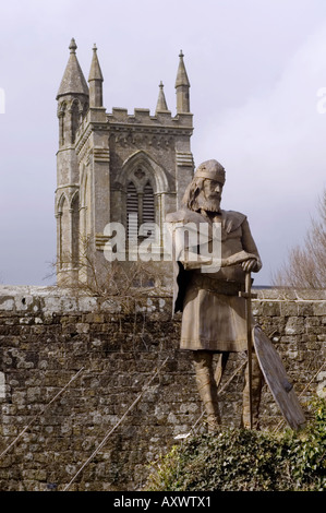 Statue of King Alfred in the grounds of Shaftesbury Abbey, Shaftesbury, Dorset, England UK - Stock Photo