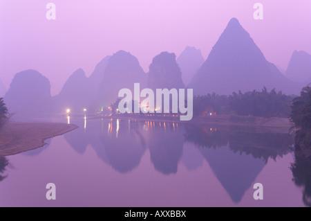 Li Jiang (Li River), Yangshuo, Guangxi Province, China, Asia - Stock Photo