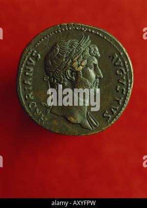 Hadrian (Publius Aelius Hadrianus), 24.1.76 - 10.6.138 AD, Roman Emperor 8.8.117 - 10.6.138, portrait, side face, - Stock Photo