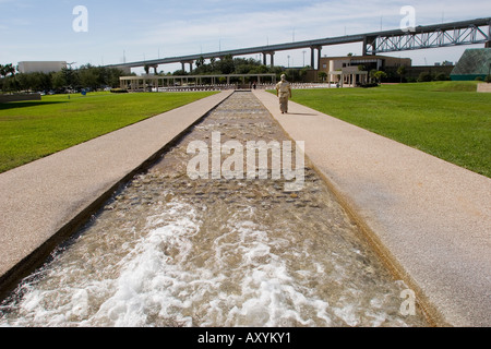 Water feature near the New extension to the Art Museum of ...