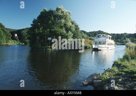 excursion boat on Ruhr river near castle ruin Hardenstein, Germany, North Rhine-Westphalia, Ruhr Area, Witten - Stock Photo