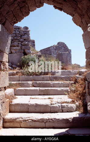 Tilos, Magalo Chorio, Johanniter Burgruine und Kapelle, Übersicht - Stock Photo