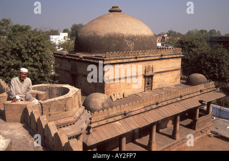 Bai Harir mosque and tomb complex in Ahmedabad, Gujarat, India. - Stock Photo